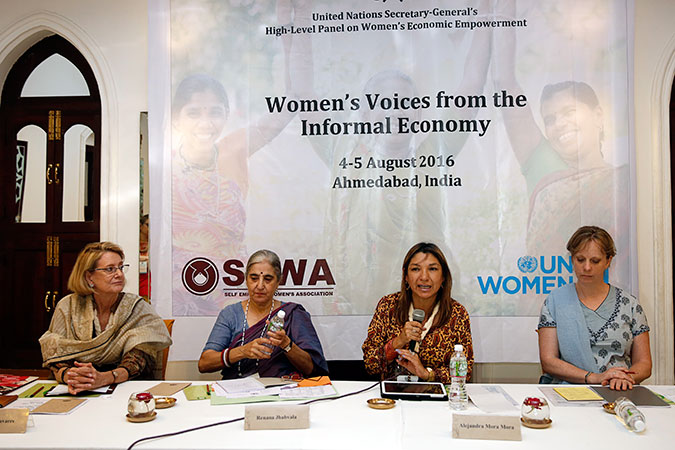 (L-R): Dr. Rebecca Reichmann Tavares, Representative, UN Women India; Renana Jhabvala, National Coordinator, SEWA; Alejandra Mora Mora, Minister for Status of Women, Costa Rica; and Gwen Hines, International Director, UK Department for International Development (DFID) address the media at a two-day consultation of the High-Level Panel on Women's Economic Empowerment, in Ahmedabad, India. Photo: UN Women/Ishan Tankha